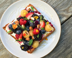 Summer Berry Toast ~ Daily Dose Cafe